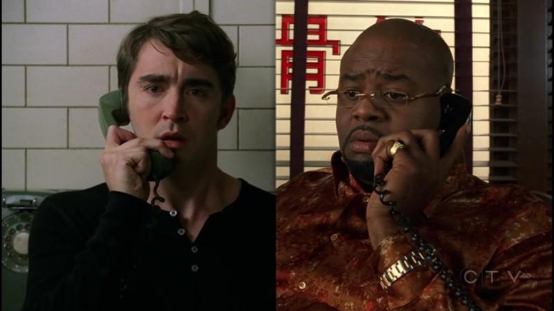 Lee Pace insieme a Chi McBride in una scena dell'episodio 'Il dono della vita' della serie tv Pushing Daisies