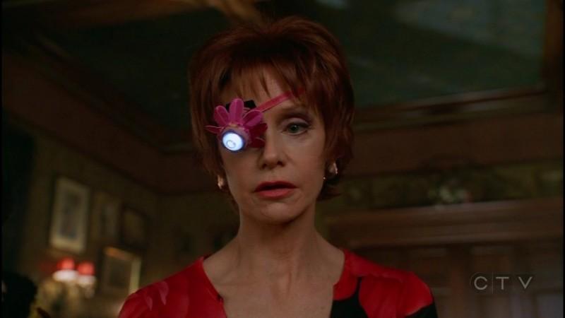 Swoosie Kurtz nell'episodio 'Il Piccione' della serie tv Pushing Daisies