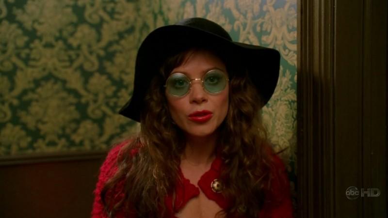 Anna Friel in una scena dell'episodio 'Amare Delizie' della prima stagione di Pushing Daisies