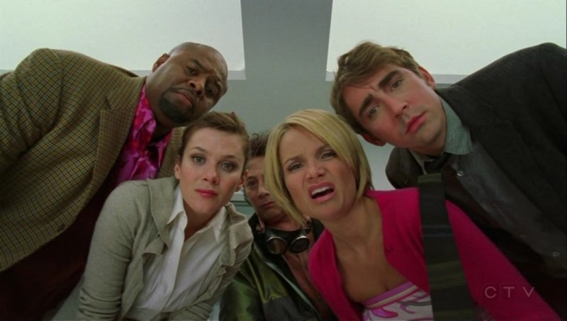 Kristin Chenoweth, Anna Friel, Chi McBride e Lee Pace nell'episodio 'Il profumo del successo' della serie tv Pushing Daisies