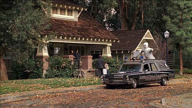 L'auto di un 'ghostbuster' nell'episodio Ghost Busted della quarta stagione di Ghost Whisperer