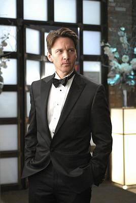 Andrew McCarthy in un momento dell'episodio 'Chapter Five: Dressed To Kill' della serie tv Lipstick Jungle