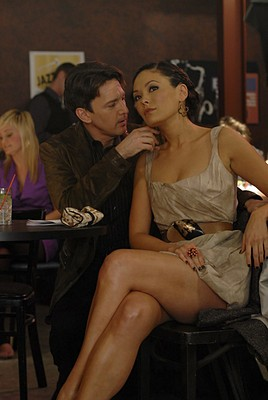 Andrew McCarthy insieme a Lindsay Price nell'episodio 'Chapter Five: Dressed To Kill' della serie tv Lipstick Jungle