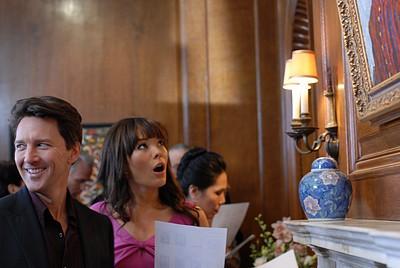 Lindsay Price e Andrew McCarthy nell'episodio 'Chapter Six: Take the High Road' della prima stagione di Lipstick Jungle