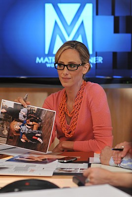 Kim Raver è Nico Reilly nell'episodio 'Chapter Eleven: The F-word' della serie Lipstick Jungle