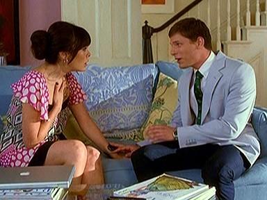 Lindsay Price e Matt Lauria che nella serie Lipstick Jungle interpreta Roy, il suo assistente; episodio: Chapter Nine: Help!