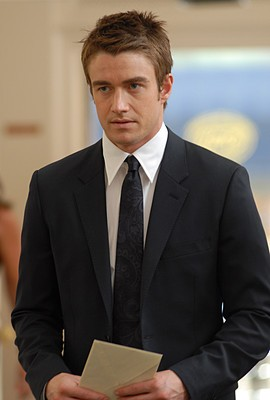 Robert Buckley nell'episodio 'Chapter Eight: Pandora's Box' della serie Lipstick Jungle