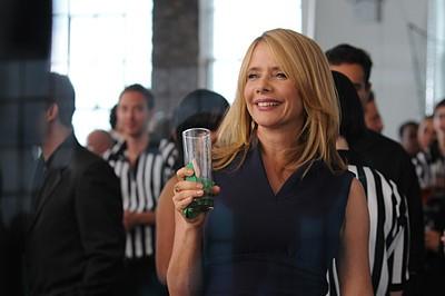 Rosanna Arquette nel ruolo della madre di Kirby nell'episodio ' Chapter Fourteen: Let the Games Begin ' della serie tv Lipstick Jungle