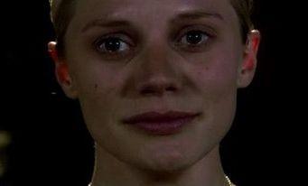 Katee Sackhoff in una scena dell'episodio 'Islanded in a Stream of Stars' della quarta stagione di Battlestar Galactica