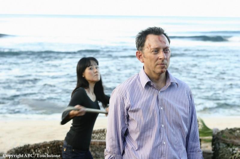 Michael Emerson e Yunjin Kim nell'episodio Namaste di Lost