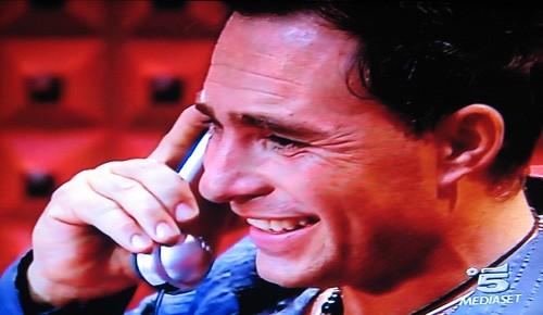 Grande Fratello 9, nona puntata: un'immagine di Marcello Calabria Torre mentre è al telefono con suo padre