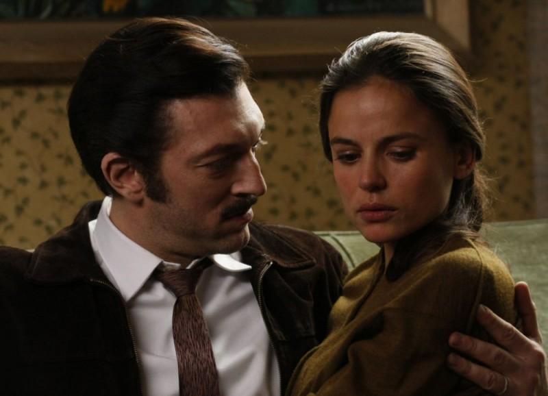 Vincent Cassel in una romantica immagine del film Nemico pubblico n°1 - L'istinto di morte