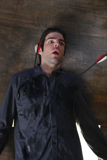 Zachary Quinto in una scena di Shades of Gray da Heroes