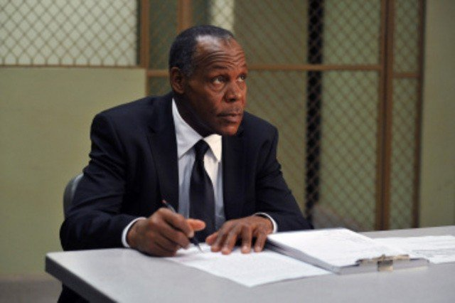 Danny Glover è Thomas nell'episodio My Name is Alias di My Name is Earl