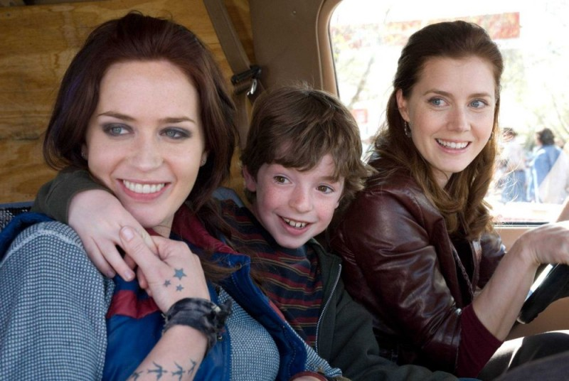 Emily Blunt, Jason Spevack e Amy Adams in un'immagine del film Sunshine Cleaning