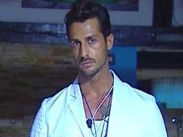 Fabrizio Corona durante il reality show La Fattoria 4