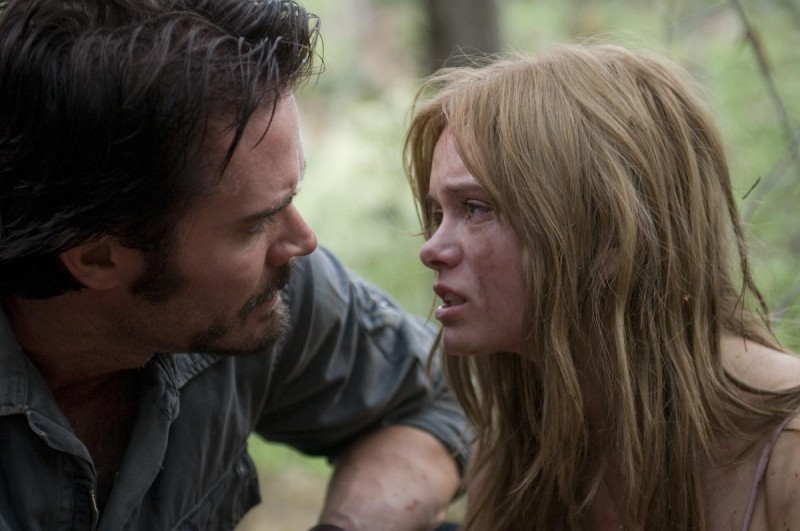 Garret Dillahunt e Sara Paxton in una sequenza del film The Last House on the Left