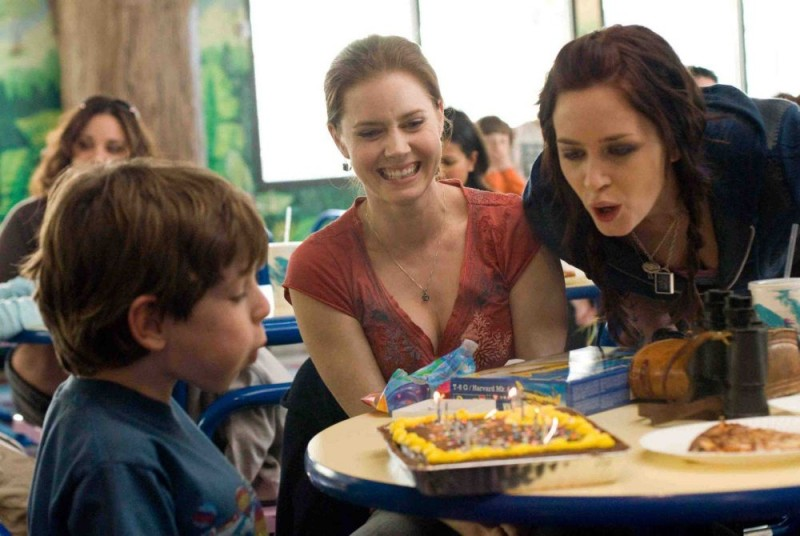 Jason Spevack, Amy Adams ed Emily Blunt in un'immagine del film Sunshine Cleaning