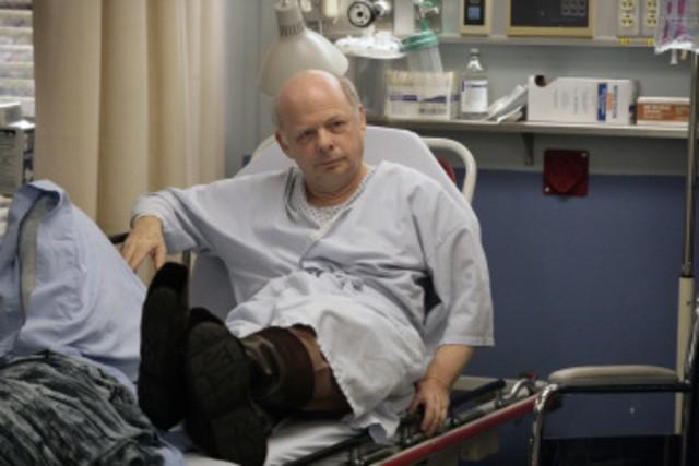 Wallace Shawn in una scena dell'episodio The Beginning of the End di E.R. - Medici in prima linea