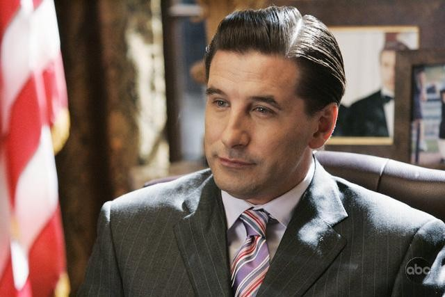 William Baldwin in una scena dell'episodio 'The Summer House' della serie tv Dirty Sexy Money