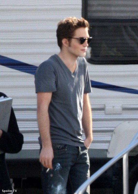 Robert Pattinson sul set di Twilight: New Moon a Vancouver