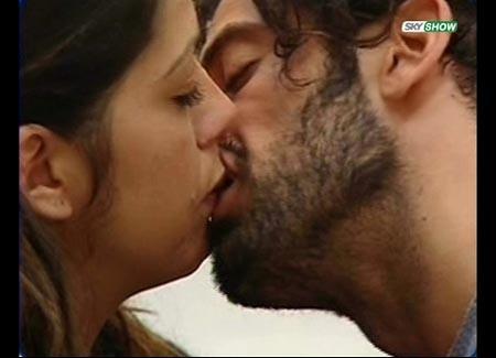 Grande Fratello 9 - Alberto bacia Vanessa, per la seconda volta