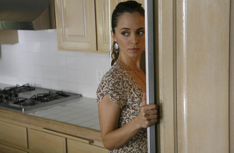 Eliza Dushku in una scena dell'episodio Man On The Street di Dollhouse