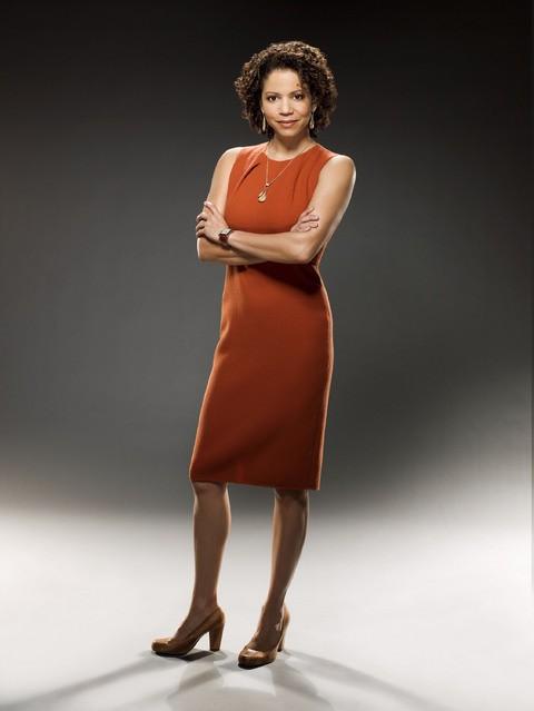Gloria Reuben in una immagine promozionale della serie Raising the Bar