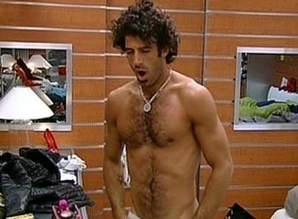 Grande Fratello 9 - Alberto Scrivano a torso nudo