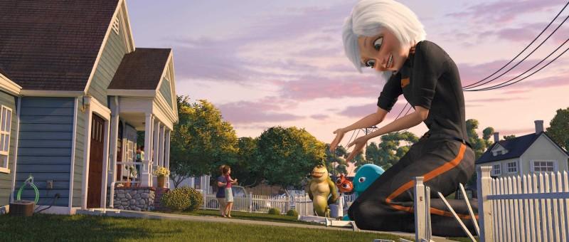 I signori Murphy vengono presentati a The Missing Link, il Dr. Cockroach e B.O.B. dalla loro figlia Susan, ora conosciuta come Ginormica, in un'immagine del film d'animazione Mostri contro Alieni