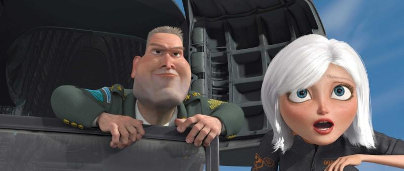 Il generale W.R. Monger e Ginormica in un'immagine del film Mostri contro Alieni