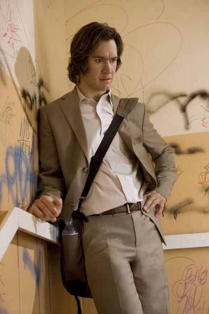 Mark-Paul Gosselaar nella serie Avvocati a New York