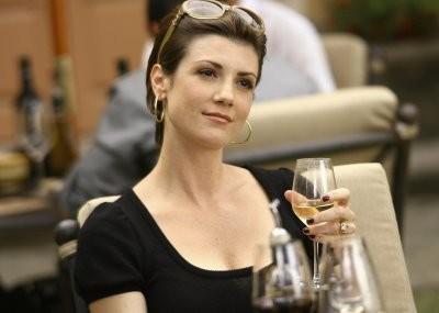 Zoe McLellan in un momento nell'episodio ' The Chiavennasca ' della serie tv Dirty Sexy Money