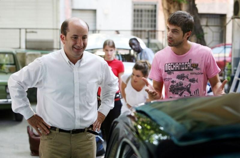 Antonio Albanese e Kim Rossi Stuart in una sequenza del film Una questione di cuore