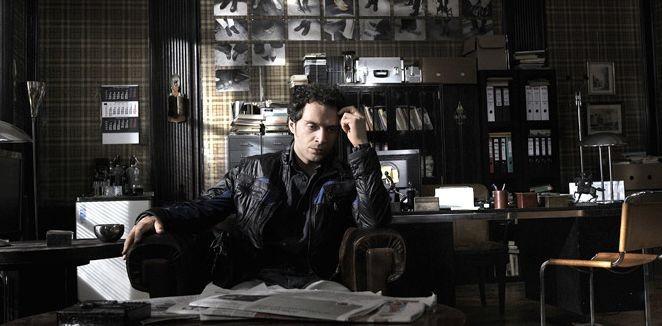 Claudio Santamaria è il protagonista maschile del film Il caso dell'infedele Klara
