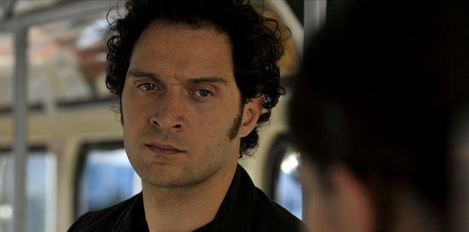 Claudio Santamaria in una scena del film Il caso dell'infedele Klara