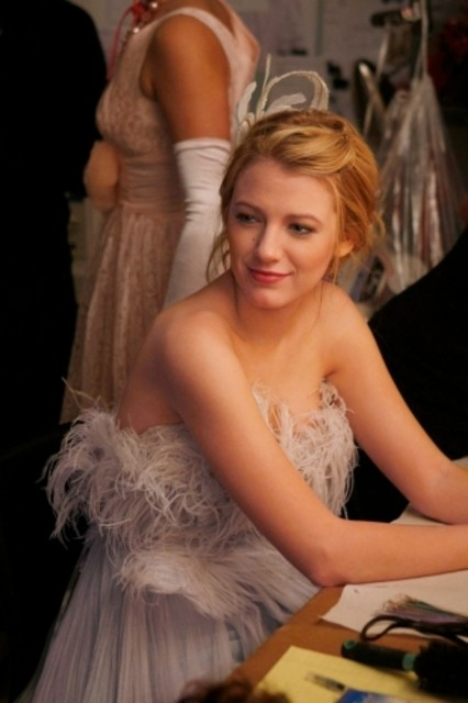 Blake Lively in una scena dell'episodio The Age of Dissonance di Gossip Girl