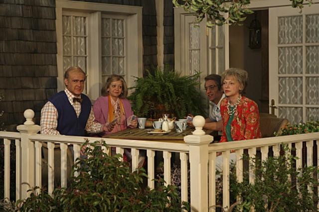 Il cast di How I Met Your Mother in una scena dell'episodio The Front Porch