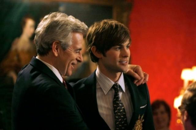 James Naughton e Chace Crawford in una scena dell'episodio The Grandfather di Gossip Girl