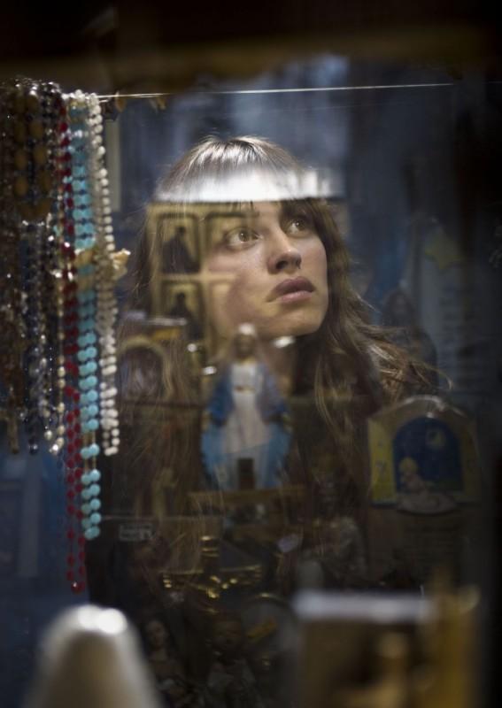 Kasia Smutniak in una scena del film Tutta colpa di Giuda
