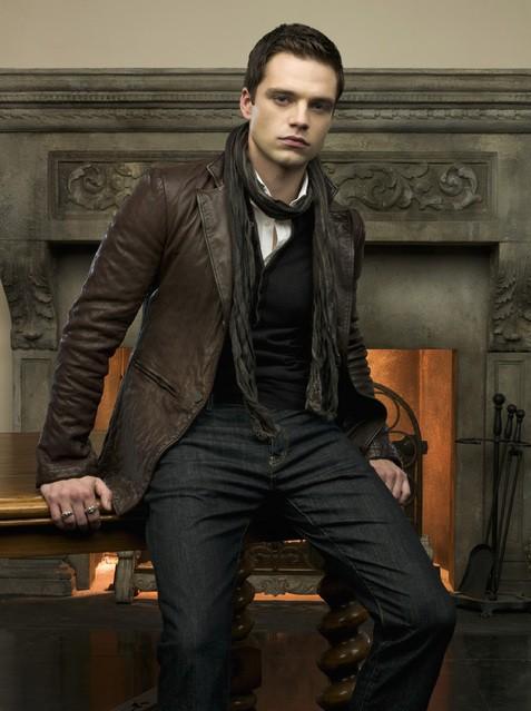 Sebastian Stan è Jack Benjamin in una foto promozionale della serie Kings