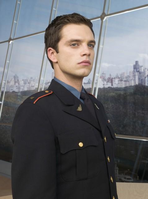 Sebastian Stan in una foto promozionale della serie Kings