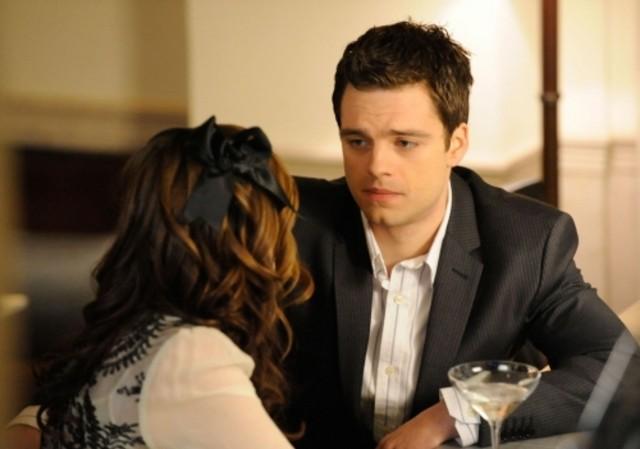 Sebastian Stan in una scena dell'episodio The Age of Dissonance di Gossip Girl