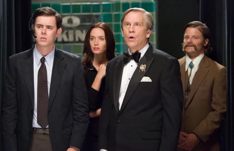Colin Hanks, Emily Blunt, John Malkovich e Steve Zahn in una scena del film The Great Buck Howard