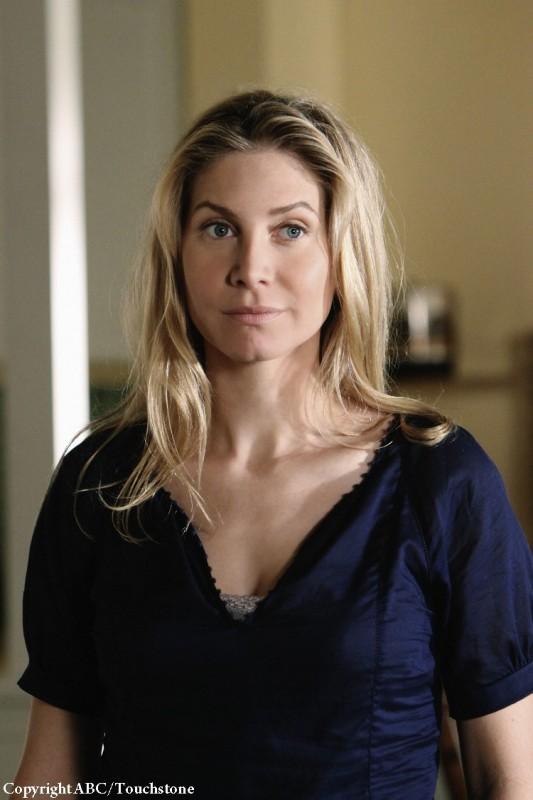 Elizabeth Mitchell nell'episodio Whatever Happened, Happened della stagione 5 di Lost