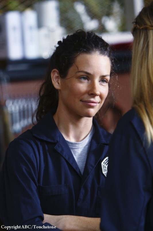 Evangeline Lilly in una scena dell'episodio He's Our You di Lost