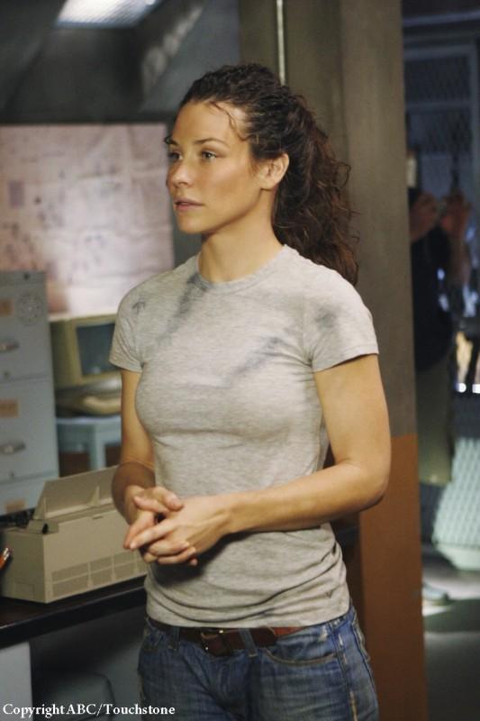 Evangeline Lilly in una scena dell'episodio Whatever Happened, Happened di Lost