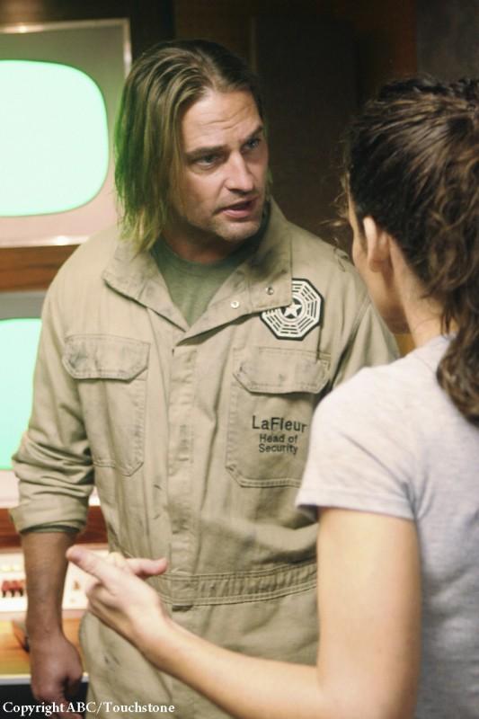 Josh Holloway ed Evangeline Lilly in una scena dell'episodio Whatever Happened, Happened di Lost