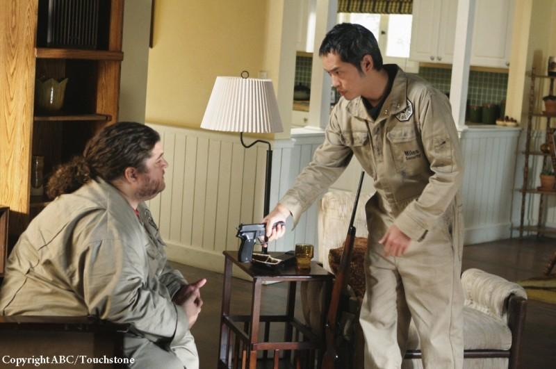 Ken Leung e Jorge Garcia nell'episodio Whatever Happened, Happened della stagione 5 di Lost