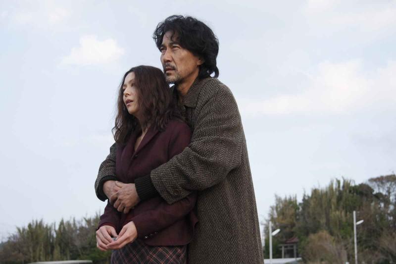 Kyoko Koizumi e Koji Yakusho in una scena del film Tokyo Sonata